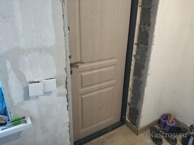 Откосы из ламината. входная дверь